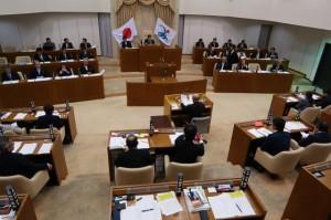4人が登壇し市当局の見解をただした市議会12月定例会一般質問4日目=16日、市議会議場