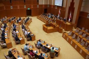 補正予算案などを可決して閉会した県議会11月定例会=20日、県議会